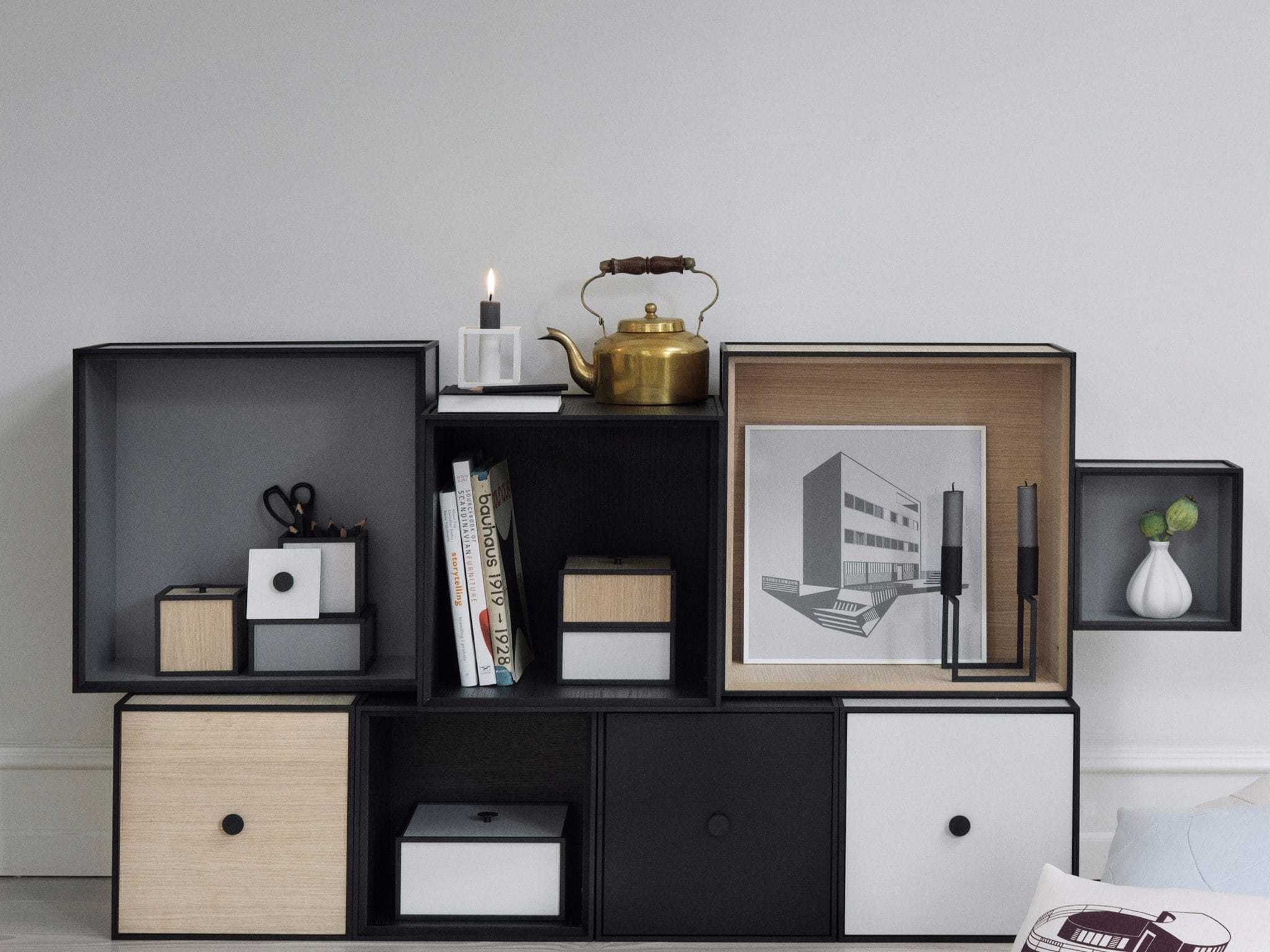 by lassen frame 20 white interi rbutikken. Black Bedroom Furniture Sets. Home Design Ideas