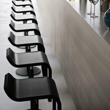 LaPalma Lem barstol fix, sort lakkert H80 Interiørbutikken